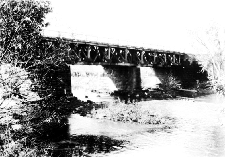 Aqueduct-Tuscarawas-River-Bolivar-1896-3.jpg